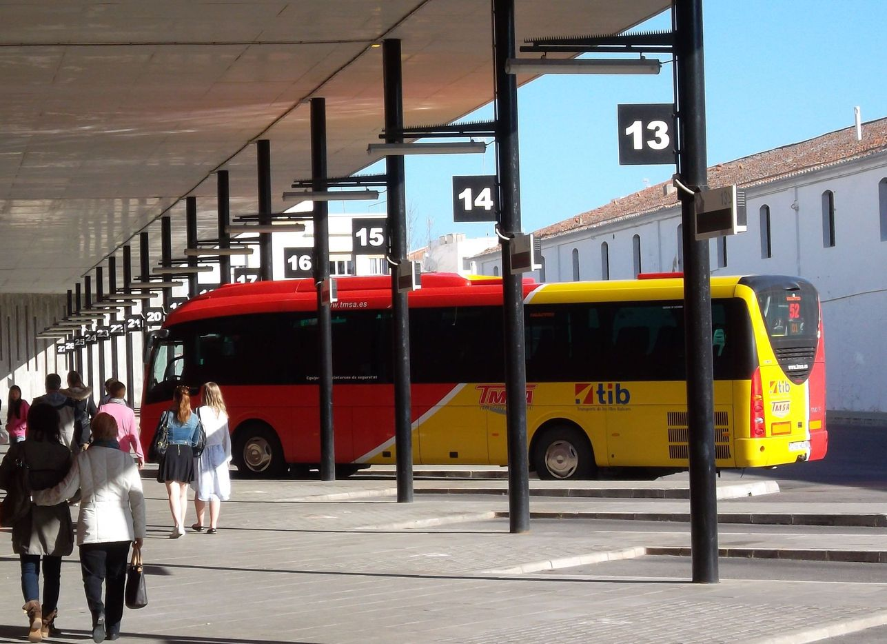 Menorca Buses And Services From Airport Routes And Timetables 2019